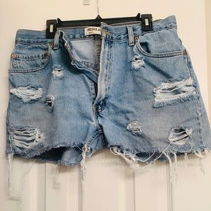 Levi Distressed Cut-off Short Shorts